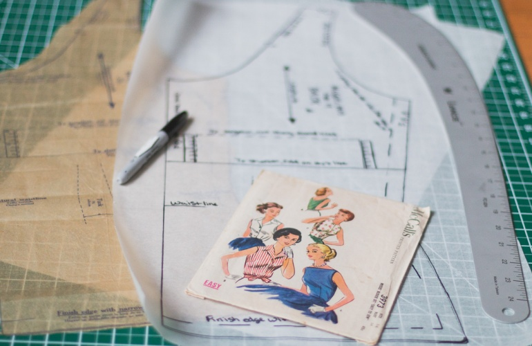 How to Trace a Sewing Pattern – Sew Feminine